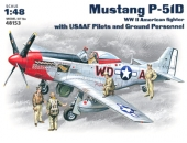 Mustang P-51D c пилотами и техниками ВВС США